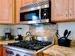 Kitchen Features Gas Stovetop