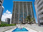 Waikiki Park Heights With Pool View