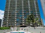 Waikiki Park Heights With Pool