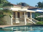 Luxury Detached 2 Bedroom 2 Bathroom Poolside Beach Bungalow