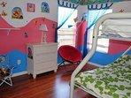 Bedroom 5 (Bunk Bed)