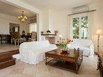 Villa 2 - Living room