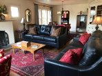 Fresh furniture and antiques, new top-grain leather sofas