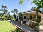 Garden cottage with stunning views
