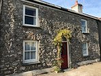 Poppy Cottage sits in a quiet street but is close to town