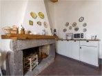 il bel camino in cucina