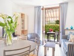 Residence Domaso_ one bedroom apartment_ Kitchen and living room_garden