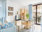 Residence Domaso_ one bedroom apartment_first floor_terrace