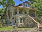 New! 'Hardy House' Historic 4BR - Close to It All!