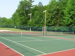 tennis court 7 minutes walk from home