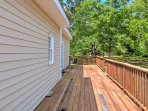 Enjoy the large wraparound deck for barbecues and absorbing the soothing coastal breeze!