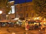 Charme des nuits d'été au cœur de la cité