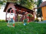 Playground, BBQ