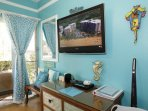 Enjoy the 46' Flat Screen HDTV with DVD + Blu-Ray and VideoStreaming! 2nd TV at the foot of your bed