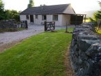 Views, location and walks / bike rides from the door make this cosy cottage perfect.