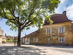 This stunning house in the heart of Domme offers excellent accommodation and relaxation.