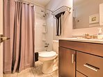 The home features 1 bathroom for guests to use.