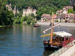 A boat trip with the Gabare on the Dordogne river from la Rogue Gageac
