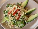 Especialidades de nuestra cocinera: ensalada de quinua