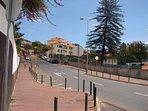 Fino Avenida Santiago Menor, Beco da Nora è la prima a sinistra