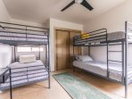 Bunk bed room sleeps 4