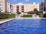 zona privada con piscina y amplios jardines
