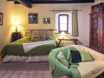 Our SYLVANER studio with its king size bed 180x200 cm
