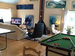 Pool Table in lounge.Wood Stove or Central Heating for those colder days