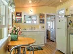 This kitchen has all the appliances you need to prepare your favorite dishes.