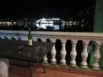 Relax and enjoy a drink o the balcony in the evening whilst watching the boats - large and small