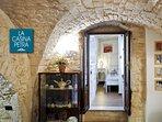Casina Petra romantico appartamento in pietra locale.
