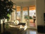 Livingromm w access t terrace
