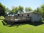 Beautiful Cottage with Large Backyard, Bunkie and Firepit the whole family can enjoy