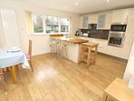 Croyde Holiday Cottages Pebbles Kitchen Dining