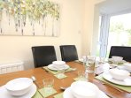 Croyde Holiday Cottages Nuthurst Table Layout