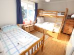 Croyde Holiday Cottages Nuthurst Twin Room