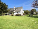 Hills View Croyde Holiday Cottages Front House