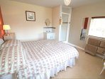 Hills View Croyde Holiday Cottages Bedroom