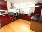 Croyde Holiday Cottages Apt 3 Point View Kitchen Units