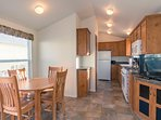 Fully equipped kitchen, full size kitchen appliances