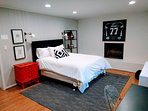 Chic/Bright Private Walk-out Apt, Newly Remodeled