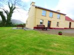 CEOL NA N'EAN detached, woodburner, pet friendly cottage in Sneem, County Kerry