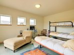 3 twin beds in the 3rd bedroom are ideal for kids!