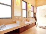 Riviera Maya Haciendas, Villa Alma Rosa - Master En-suite Bathroom 4