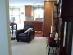 Completely furnished 1 BR apartment close to Rts. 495 and 95