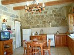 GUNO holiday house kitchen with dining tables and chairs