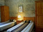 GUNO holiday house twin bedroom with 2 wardrobes