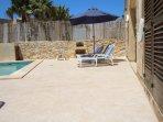 GIDI holiday house pool area