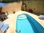 DUN NASTAS holiday house pool area with barbecue