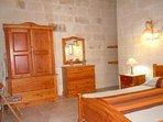 DUN NASTAS holiday house spacious double bedroom
